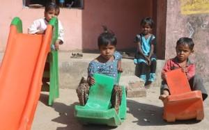 भारत में शिक्षा, पूर्व-प्राथमिक शिक्षा, आंगनबाड़ी केंद्र की भूमिका